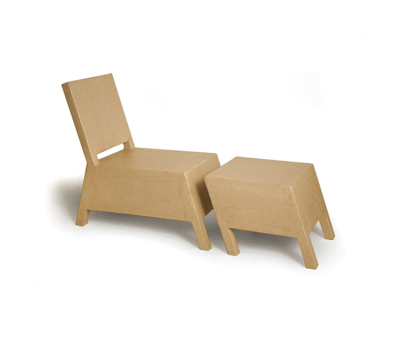Bastian with Ottoman von Structuredesign | Sessel
