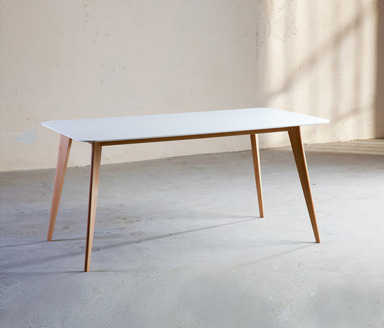 Easy table by AMOS DESIGN | Dining tables
