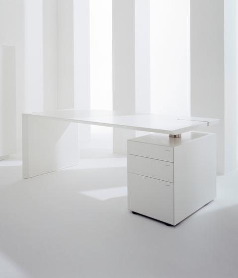 M - Desk de Hund Möbelwerke | Escritorios individuales