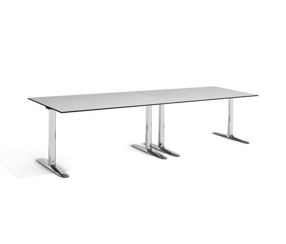 Colonnade Table de Fora Form | Mesas individuales para seminarios