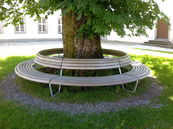 Landi Round Bench with backrest by BURRI | Exterior benches