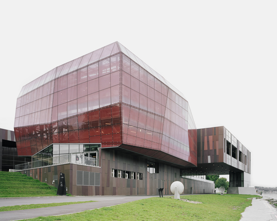 Copernikus Science Center Warsaw by Rieder | Facade design