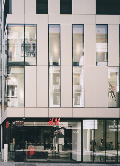 H&M Shopping Center Luxembourg by Rieder | Facade systems