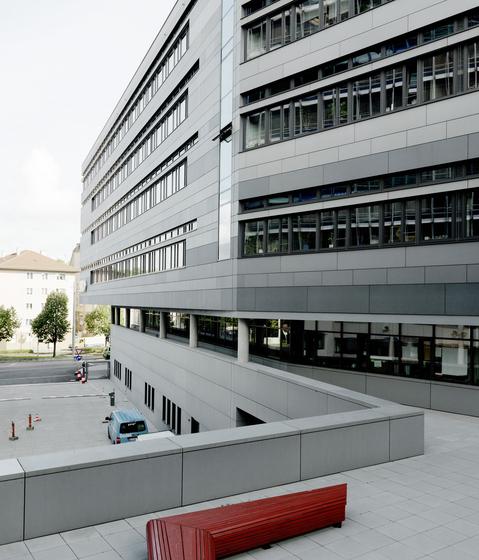 Südwestrundfunk Stuttgart by Rieder | Facade design