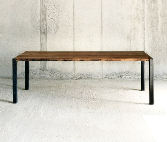 Basil table by Redwitz | Dining tables