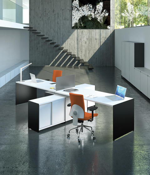 Aspen 203+146+147 by AG Land | Desking systems
