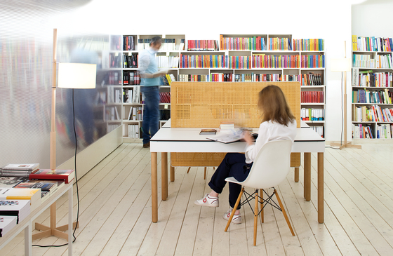 Tray Contract by Imasoto | Reading / Study tables