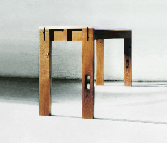 Sole Alto table | console by Redwitz | Console tables
