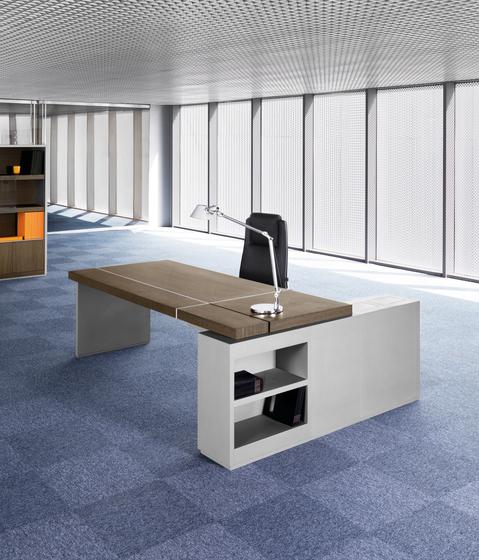 Karan 103 W by AG Land | Individual desks