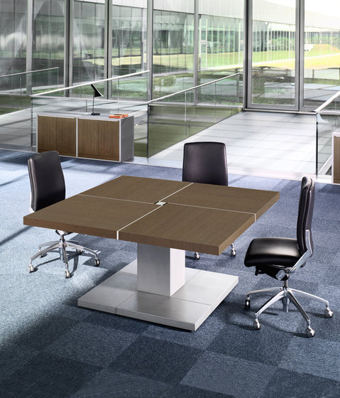 Karan 114 by AG Land | Meeting room tables