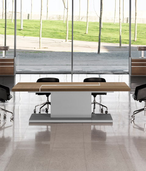 Karan 125 by AG Land | Meeting room tables