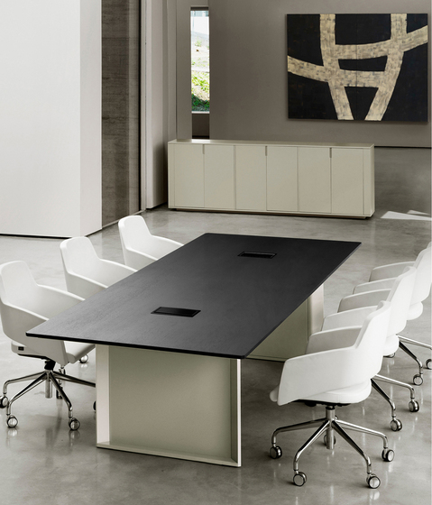 MV 130 by AG Land | Meeting room tables