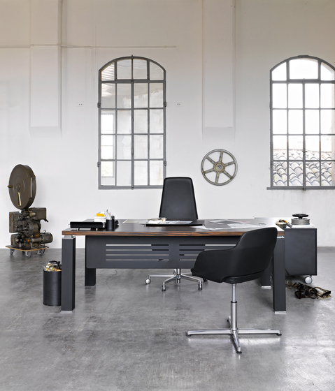 Tao Executive by Sinetica Industries | Executive desks
