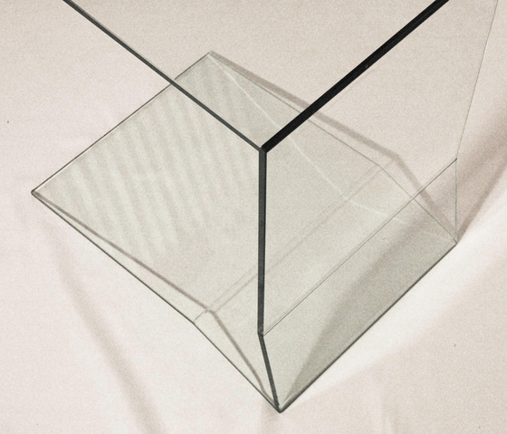 C-Table glass by xbritt moebel | Side tables