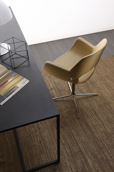 Kim Stuhl von Via Della Spiga | Stühle