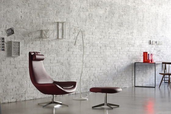 Star chair with ottoman de Via Della Spiga | Fauteuils d'attente