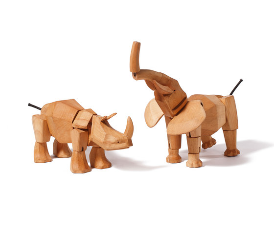 Hattie the Wooden Elephant di David Weeks Studio | Giocattoli