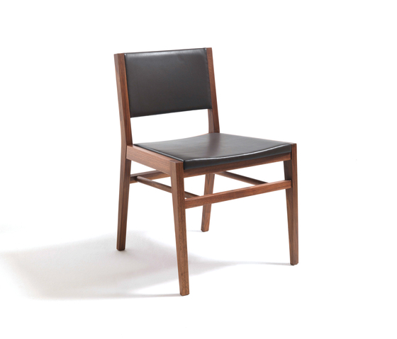 Tennessee leather by Riva 1920 | Restaurant chairs