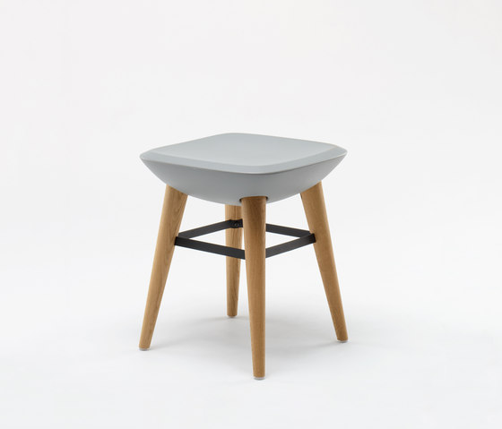 Pebble Stool di De Vorm | Sgabelli