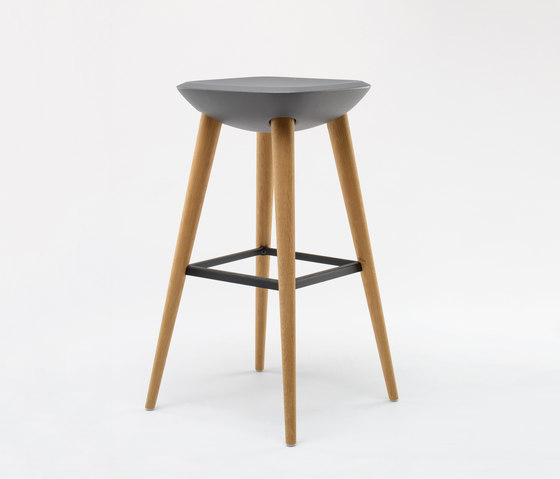 Pebble Barstool XL de De Vorm | Taburetes de bar