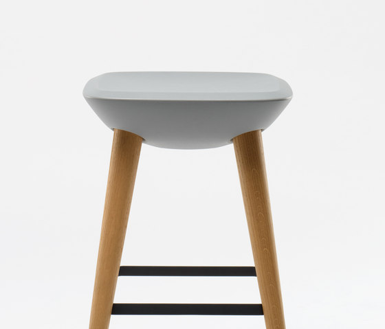 Pebble Barstool von De Vorm | Barhocker
