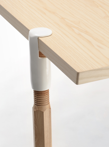 Clamp-a-Leg by De Vorm | Trestles