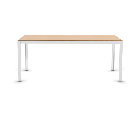Elusive by B&T Design | Individual desks