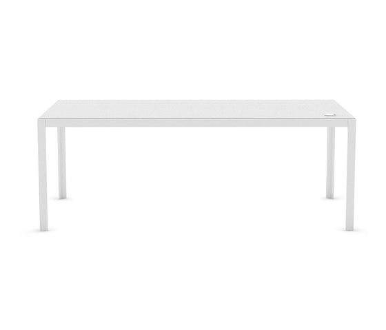 Elusive de B&T Design   Tables collectivités