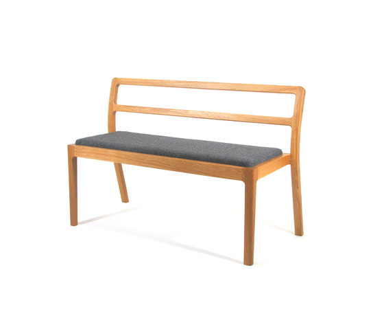 Long Eaton Stacking Bench von Assemblyroom | Wartebänke