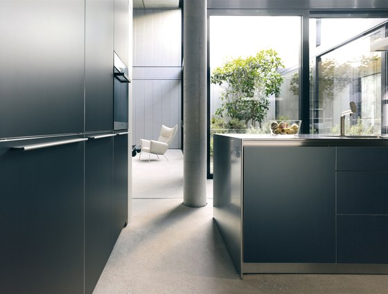 bulthaup b3 aluminium grey by bulthaup | Fitted kitchens