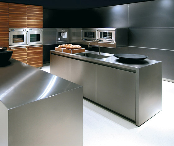 bulthaup b3 monoblock in stainless steel by bulthaup | Fitted kitchens