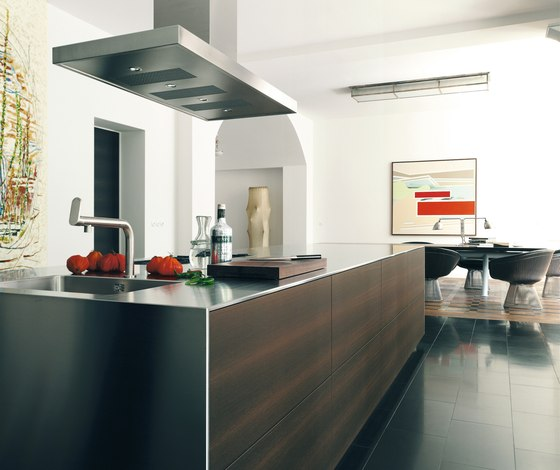 bulthaup b3 monoblock in stainless steel di bulthaup | Cucine a parete