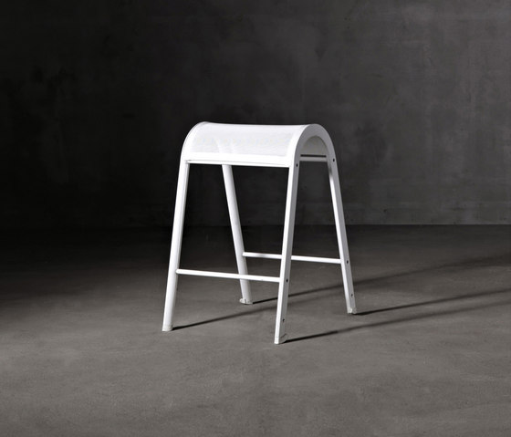 Lazy Sgabello by Serralunga | Bar stools