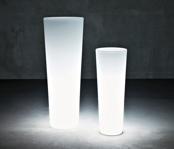 New Pot Light by Serralunga | Flowerpots / Planters