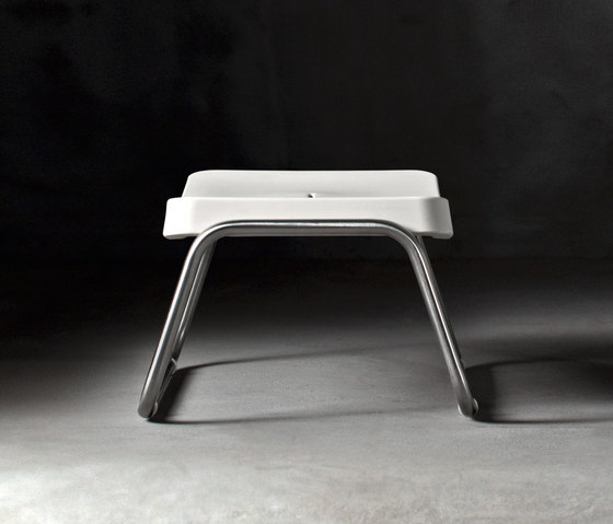 Time Out stool by Serralunga | Poufs