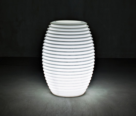 Top Pot Hard Light by Serralunga | Flowerpots / Planters
