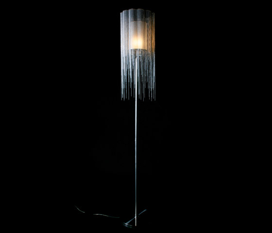Scalloped Willow 280 Standing Lamp di Willowlamp | Illuminazione generale
