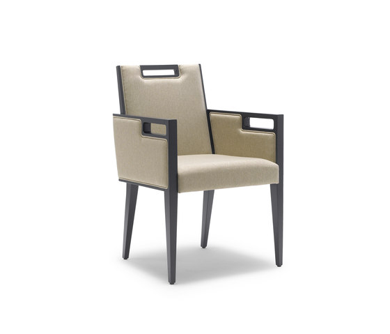 ELPIS CAP by Accento | Restaurant chairs