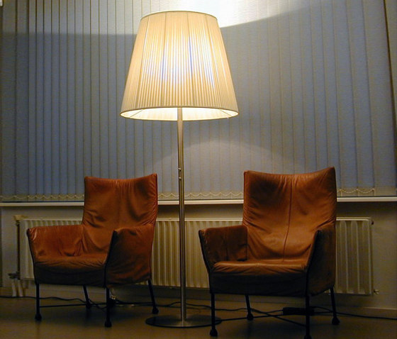 Conical Floorstanding di QC lightfactory | Illuminazione generale