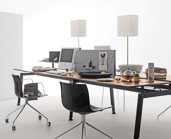 Giga-gigi Desk by QC lightfactory | General lighting