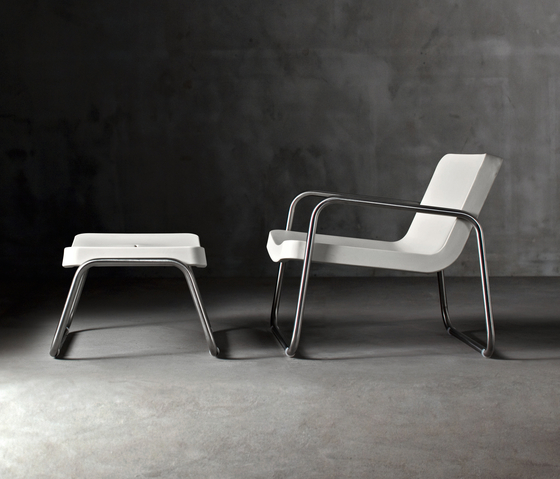 Time Out armchair and stool by Serralunga | Armchairs