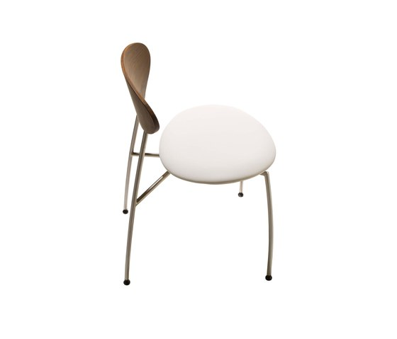 GM 666 Chair by Naver Collection | Chairs