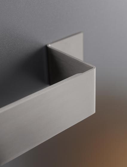 Neutra NEU06 by CEADESIGN | Towel rails