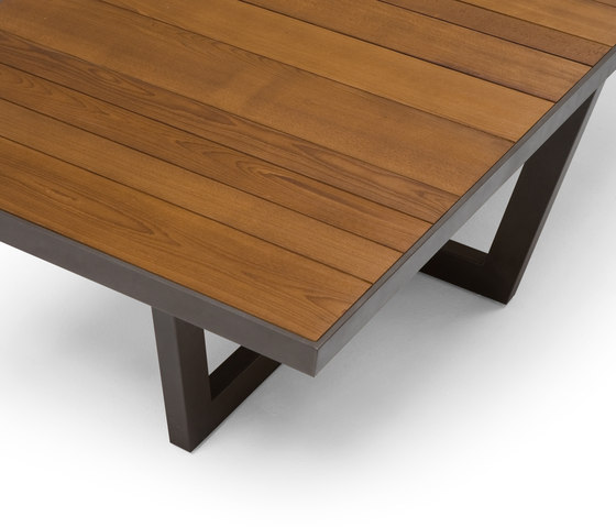 Terra by Andreu World | Dining tables