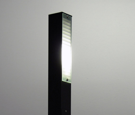 Neo Pole Side de QC lightfactory | Bornes lumineuses