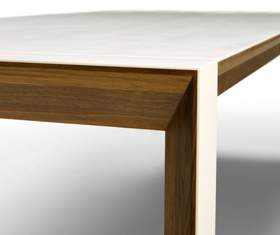 GM 7700 Table by Naver | Dining tables