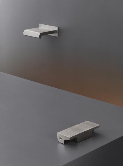 Neutra NEU17 de CEADESIGN | Robinetterie pour lavabo