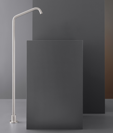 Neutra NEU23 de CEADESIGN | Robinetterie pour lavabo