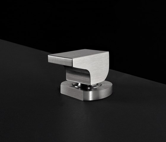 Neutra NEU30 by CEADESIGN | Bidet taps