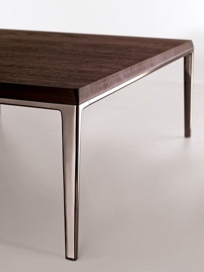 Michel by B&B Italia | Lounge tables